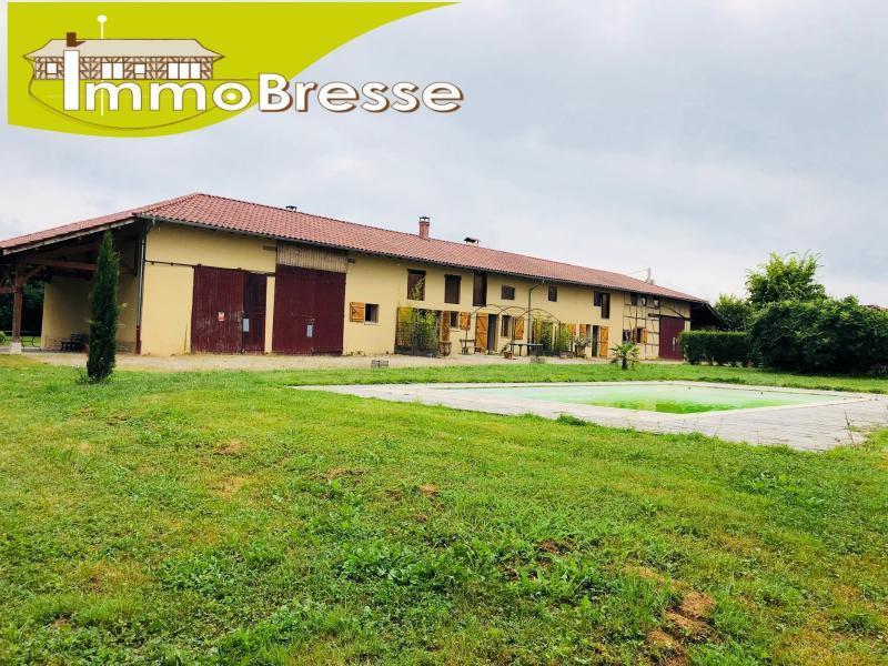 Etrez - A vendre corps de ferme de 291 m² - Terrain de 17000 m² - Piscine