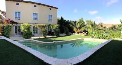 Sanary, Villa T7 de 240 m� sur 800 m�, Piscine, A vendre, Var 83