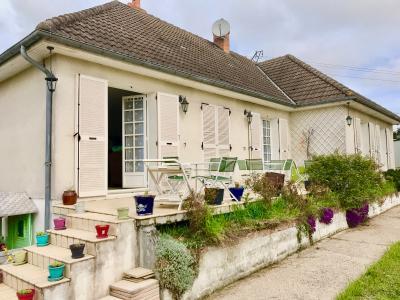 A Vendre maison traditionnelle T7 + studio T2 sur 887 m� de terrain Gien 45 Loiret