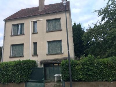 A Vendre maison traditionnelle T7 + 2 garages sur 1236 m� de terrain Bonny Sur Loire 45 Loiret