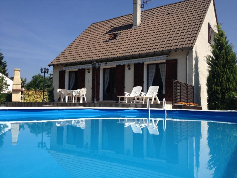 Vente  belle maison traditionnelle avec piscine de 140m² sur 1913m² de jardin Gien Loiret 45