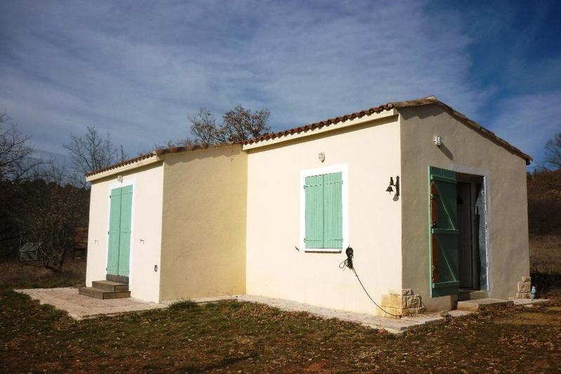 A vendre cabanon varages 83 var immobilier st maximin for Achat maison manosque