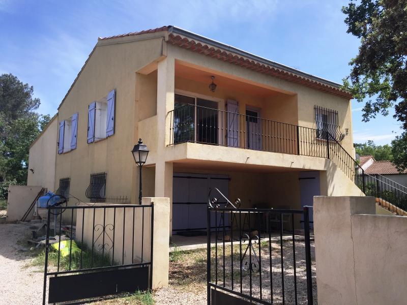 Vente  VILLA DE 150 m² AVEC PISCINE SUR 1500 m² SAINT MAXIMIN VAR 83
