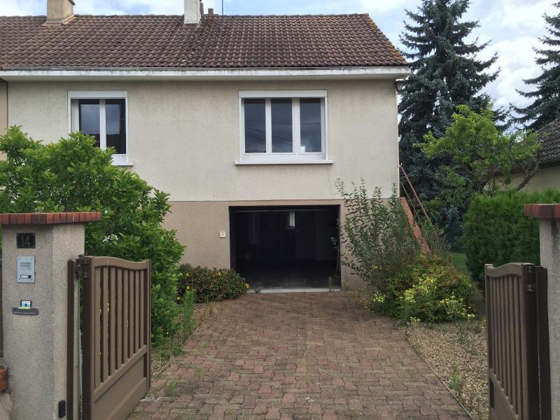 Vente  maison type 4 et studio sur sous-sol total , garage, jardin,en plein c€ur de Gien 45 Loiret