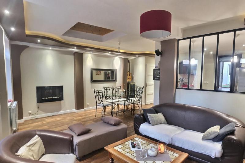 Vente  maison type 8  de 200 m² au total  sur 171 m² de terrain Gien 45 Loiret