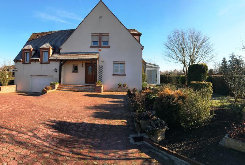 Vente  charmante maison sur sous-sol  type 7 de 200m²sur1600m² de terrain Montargis 45 Loiret