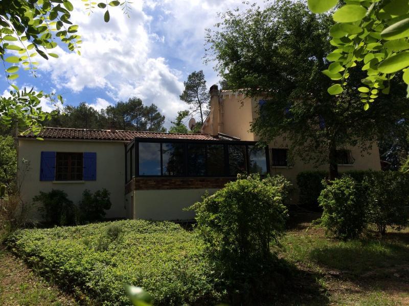 Vente  sur plus d'un hectare de terrain villa 170 m² Tourves 83 var