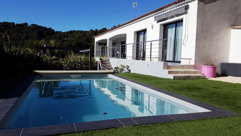 Vente Bandol, Appartement T5 de prestige en haut de villa, piscine, garage, terrasse, , Var 83.