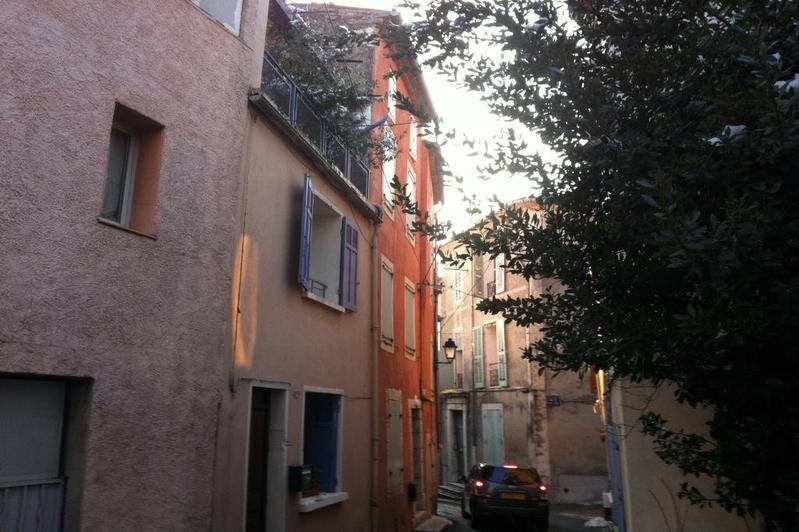 Vente Rians, Maison de Village T3, toit terrasse, cave. Var 83. .