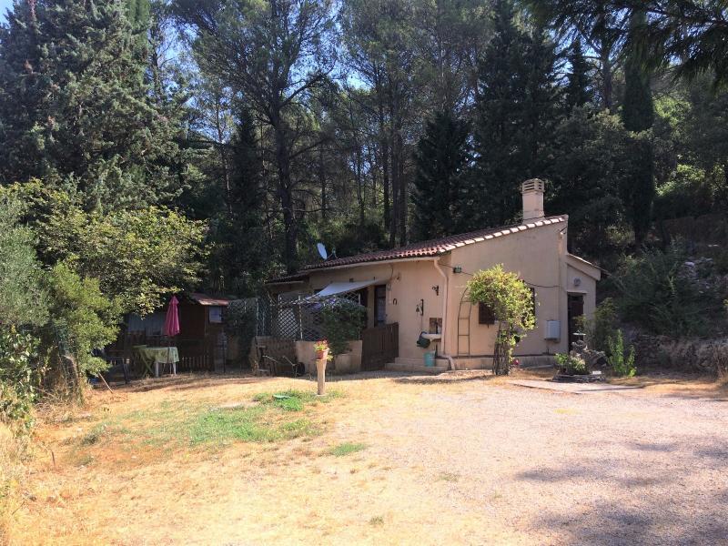 Vente , petite maison sur 4000 m² de terrain Bras 83 var