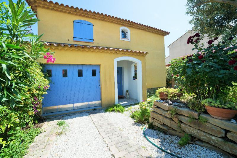 Vente Sanary sur Mer, Villa T7, proche écoles et espaces sportifs,Piscine, garage, , Var 83