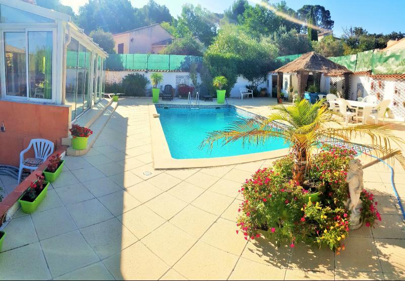 Vente La Seyne sur Mer, au calme, Villa t4 de 147 m2, terrain 1000 m2, Piscine, Garage, , Var 83