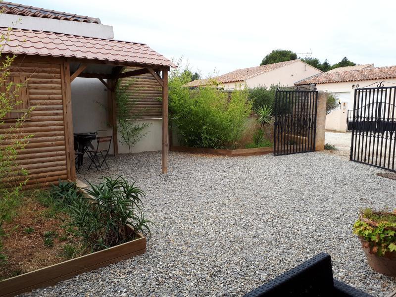 Vente Six Fours, appartement T3 de 58m² en rez-de-jardin, au calme, , Var 83.