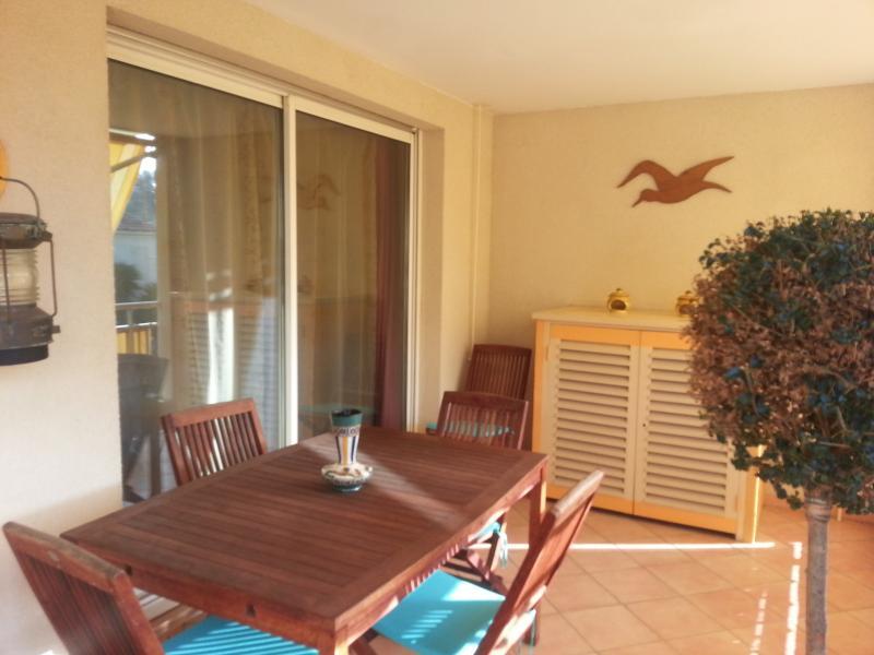 Vente Six Fours, loft en duplex de 94m² proche plage et commodités, 2 terrasses, a re, var 83.