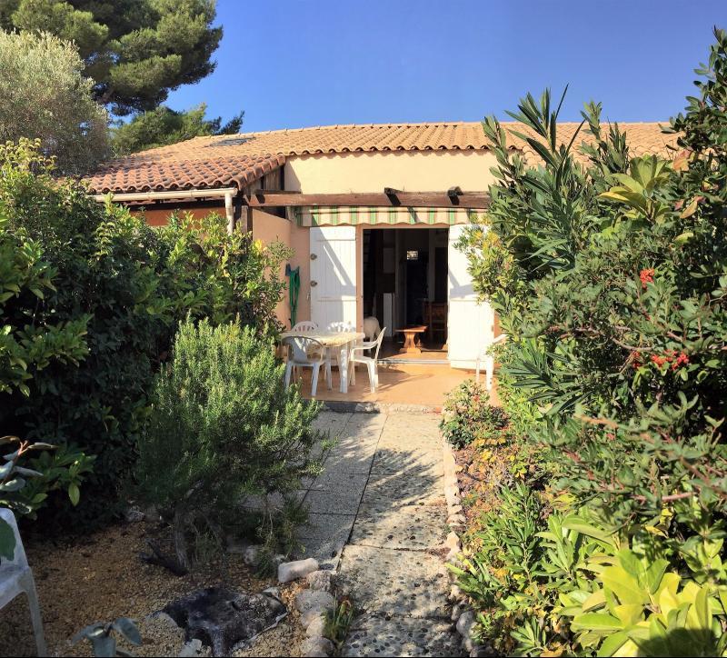 Vente Bandol Villa T2 en duplex de 40 m², Jardinet 50 m², , Var 83