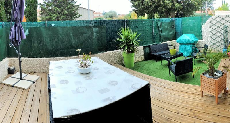 Vente *Six-Fours-les-Plages, Joli T3 de 64 m2 en rez de jardin, rénové, calme, parking, , Var 83