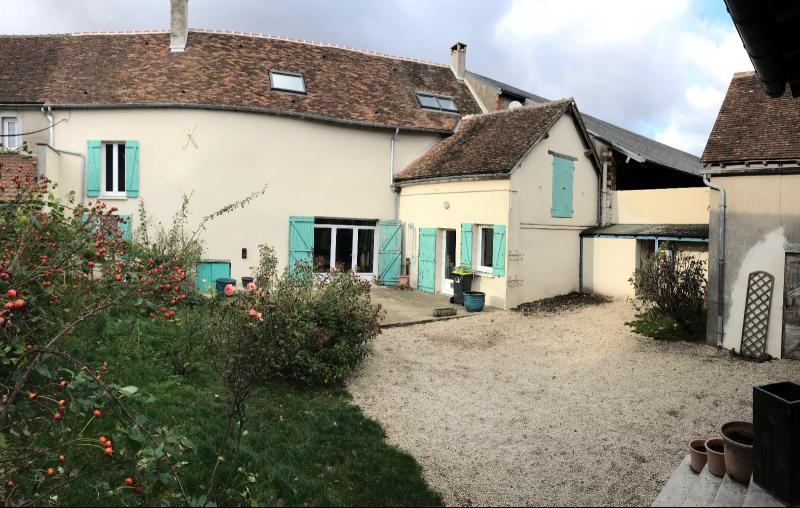 Vente  sublime propriété type 5 de 150m²sur 436m² de terrain Puiseaux 45 Loiret