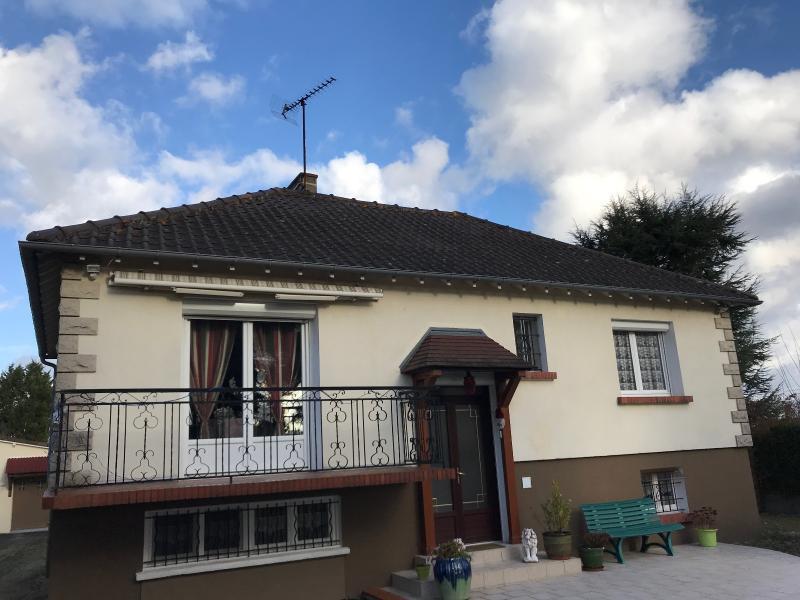 Vente  belle maison traditionnelle type 5 sur un parc de 2100m² Gien 45 Loiret