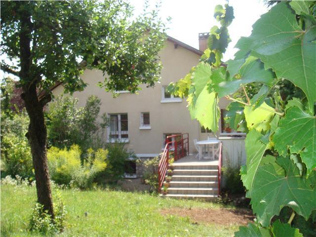 Vente  belle propriété T 7 avec sous-sol total sur un terrain de 929 m² Briare Loiret 45