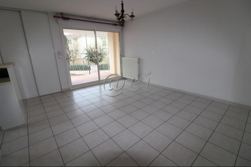 Vente Six Fours, appartement T3 de 58 m², ascenseur, parking, , Var 83