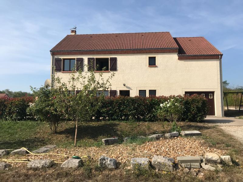 Vente  superbe maison type 8 sur 1700 m² de terrain Gien 45 Loiret