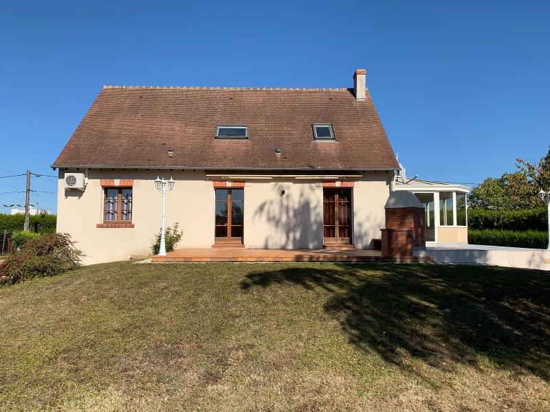 Vente  belle propriété T 8 avec sous-sol total sur un terrain de 1478 m² Gien Loiret 45