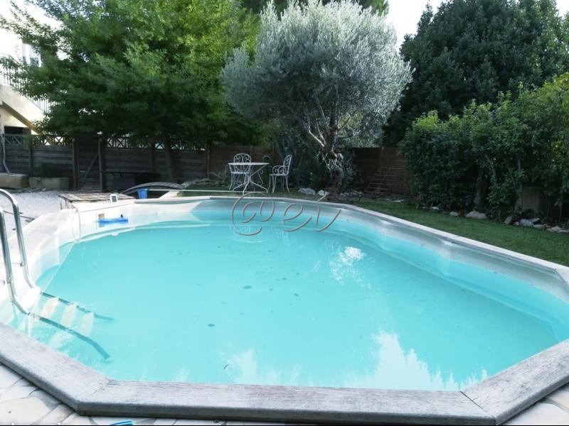 Vente SIX FOURS, Haut de Villa T5, 110 m². Piscine, jardin 300m², parkings, sans vis à vis,,var 83