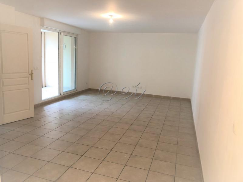 Vente Six Fours les Plages, Coeur village, T3 de 66 m2, terrasse, ascenseur, parking, , Var 83