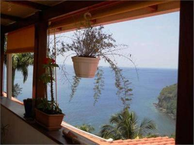 SCHOELCHER : Superbe Vue mer, T3 résidence avec piscine