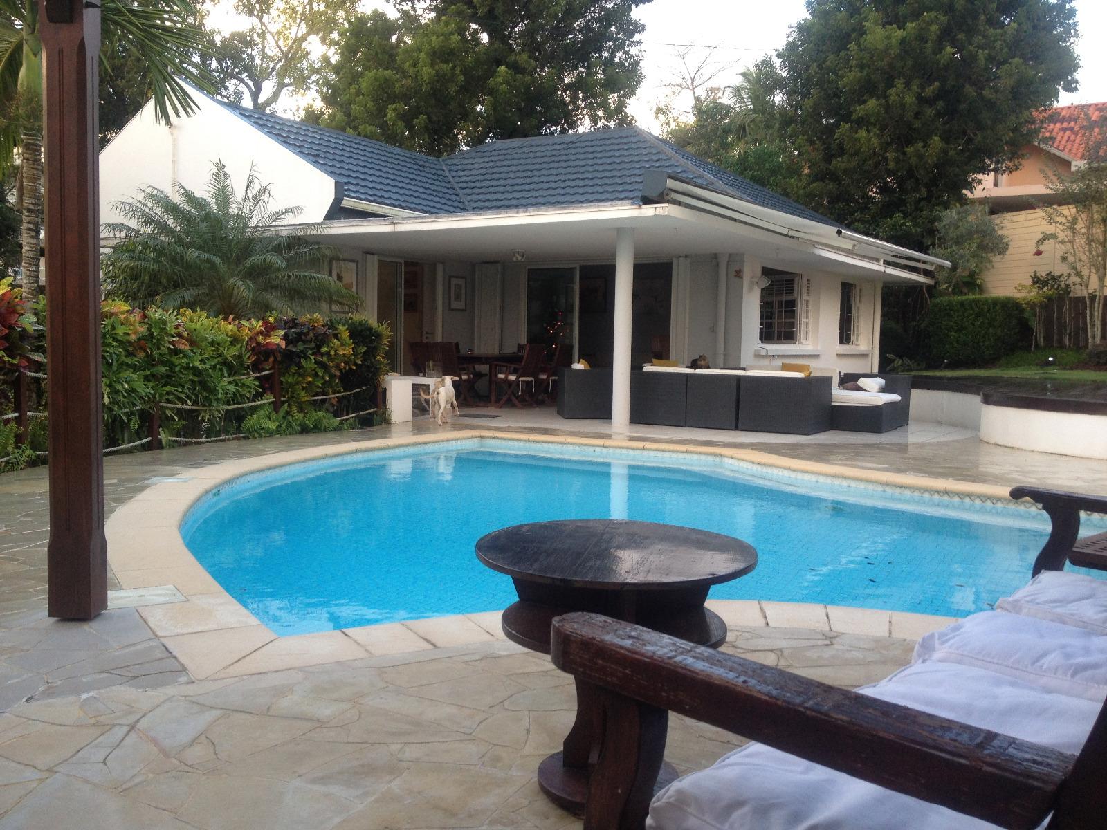 Fort de france didier villa f5 avec piscine dans un - Piscine tubulaire castorama fort de france ...