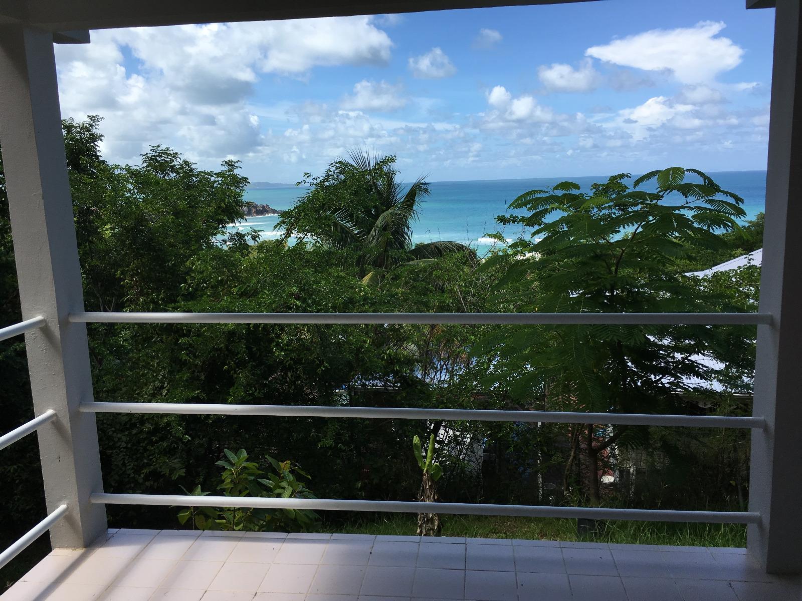 Tartane bel appartement f2 en rdc avec jardin et vue mer for Appartement rdc jardin