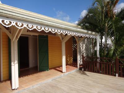 GROS-MORNE Villa F5 dans un quartier résidentiel à mi-chemin entre le Robert et le Lamentin Agence Accord Immobilier, Martinique