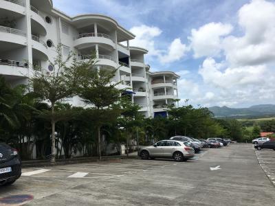 DUCOS (9724), Appt F2 en RDC avec 2 parkings dans résidence sécurisé, arborée, au calm Agence Accord Immobilier, Martinique