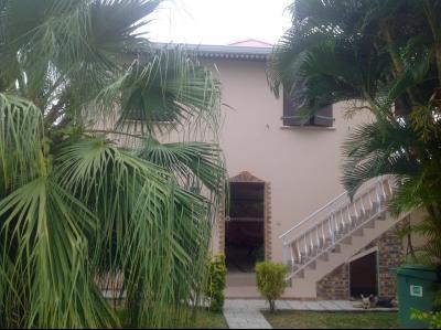 La TRINITÉ, Villa F6 avec vue mer sur un terrain plat avec grand possibilité de fermer le bas Agence Accord Immobilier, Martinique