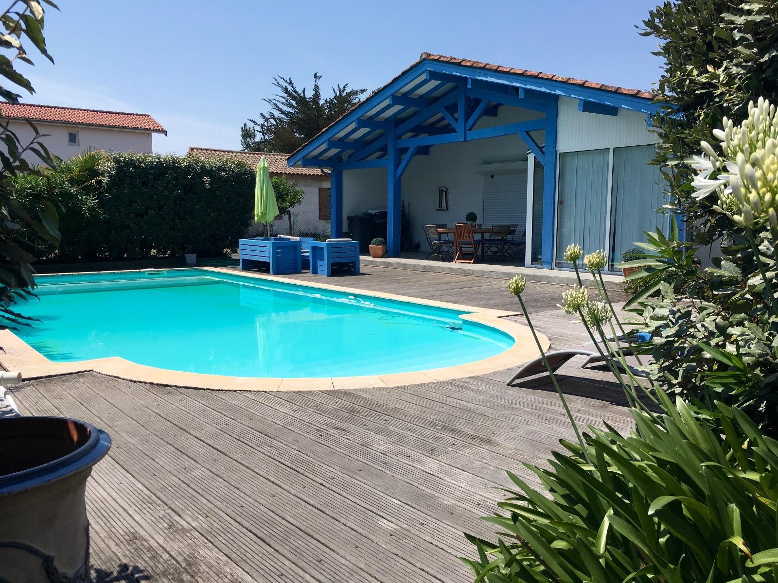 Mimizan plage villa f6 piscine idalement situe 100m des for Piscine mimizan