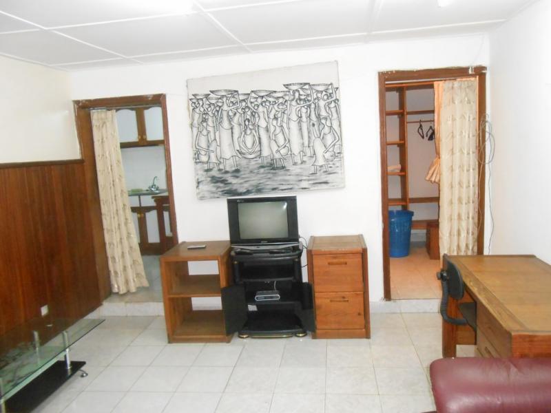 Gombe Appartement En Rez De Chausse D 39 Une Chambre Louer