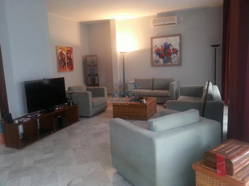 Superbe appartement de standing de 4 chambres à louer à la Gombe