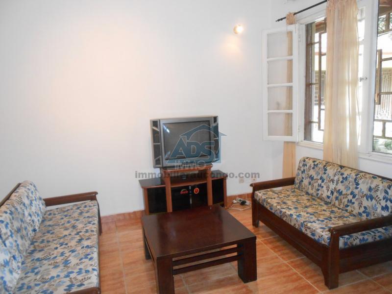 Bel appartement meublé d'une chambre à louer à la Gombe