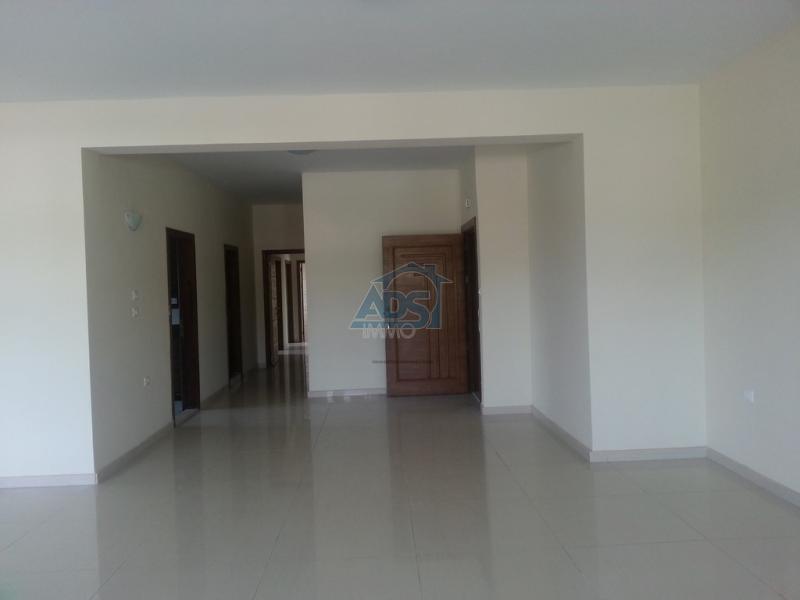 Très bel appartement situé dans une résidence neuve de la Gombe