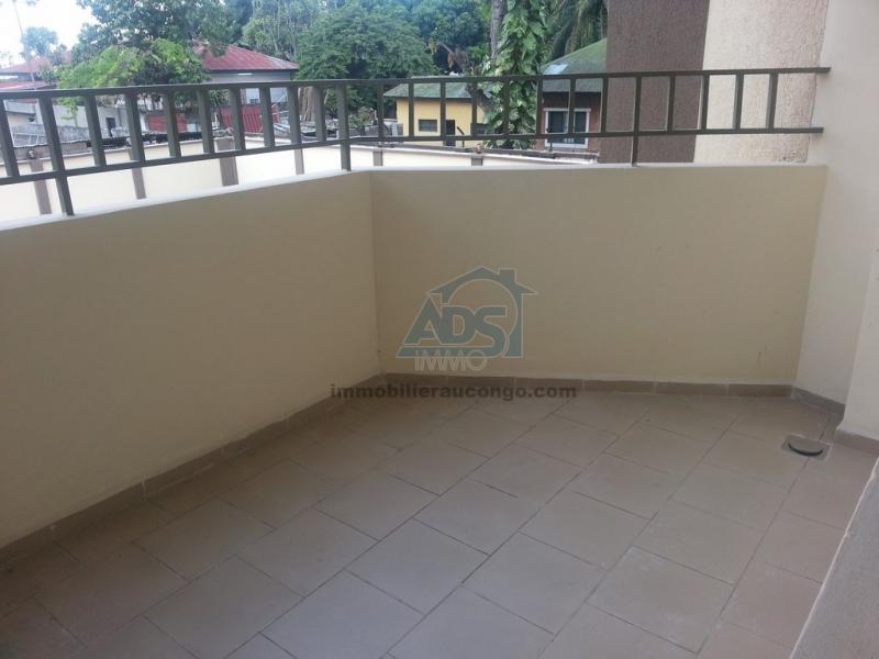 Appartement meublé de 3 chambres dans une résidence de la Gombe