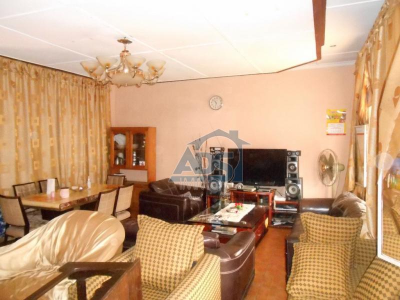 Maison de 3 chambres à vendre à Binza Ozone