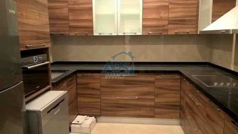 Penthouse meublé de 4 chambres à louer à GB