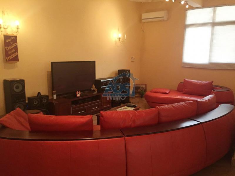 Appartement non meublé de 3 chambres à louer à GB
