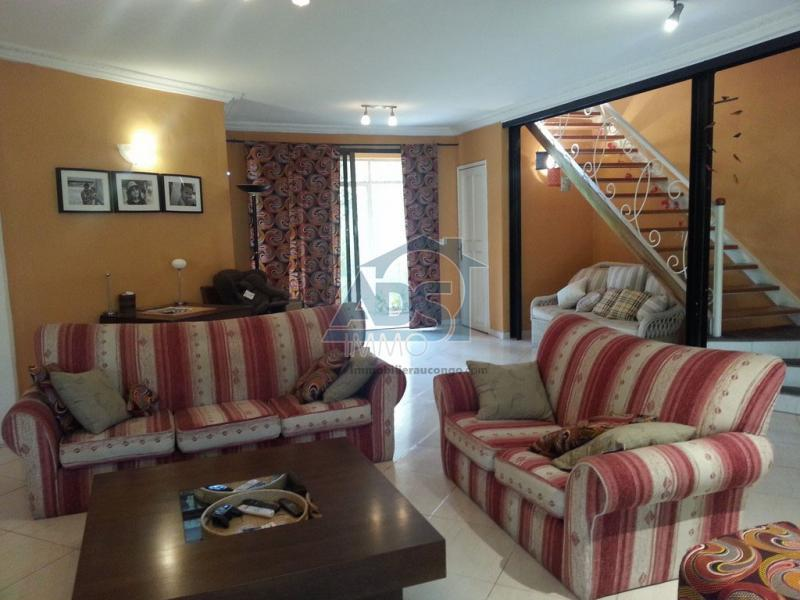 Villa de 3 chambres à louer à la Gombe