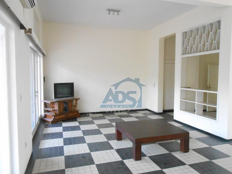 Bel appartement de 2 chambres à louer à la Gombe
