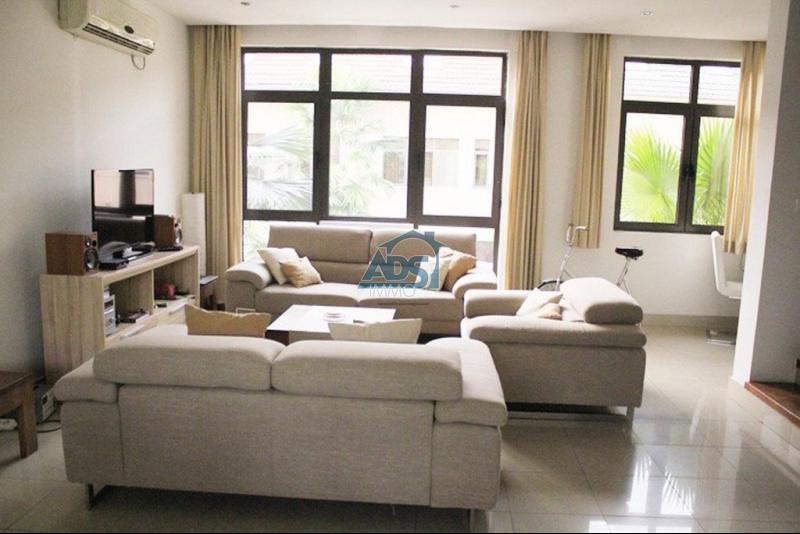 ngaliema jolie maison meuble en duplex 3 chambres louer ads immo congo. Black Bedroom Furniture Sets. Home Design Ideas