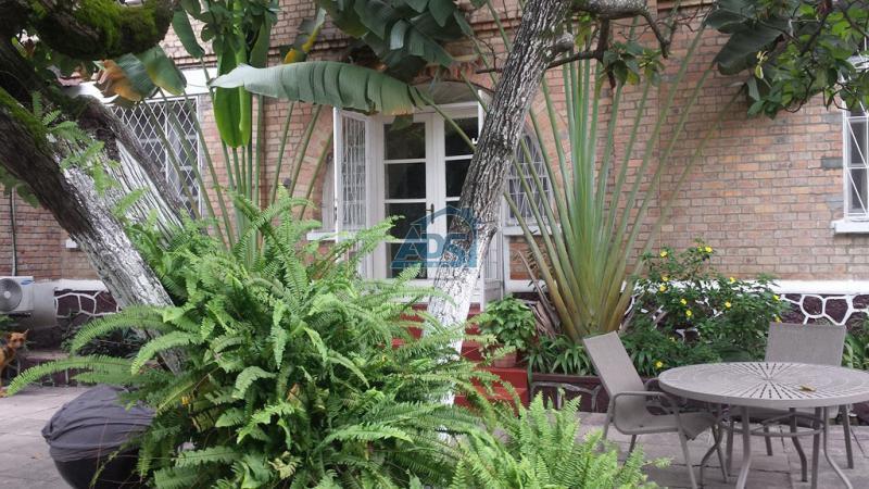 Villa de 4 chambres à louer à la Gombe