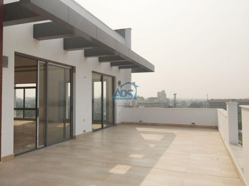 Penthouse neuf de 3 chambres - Gombe
