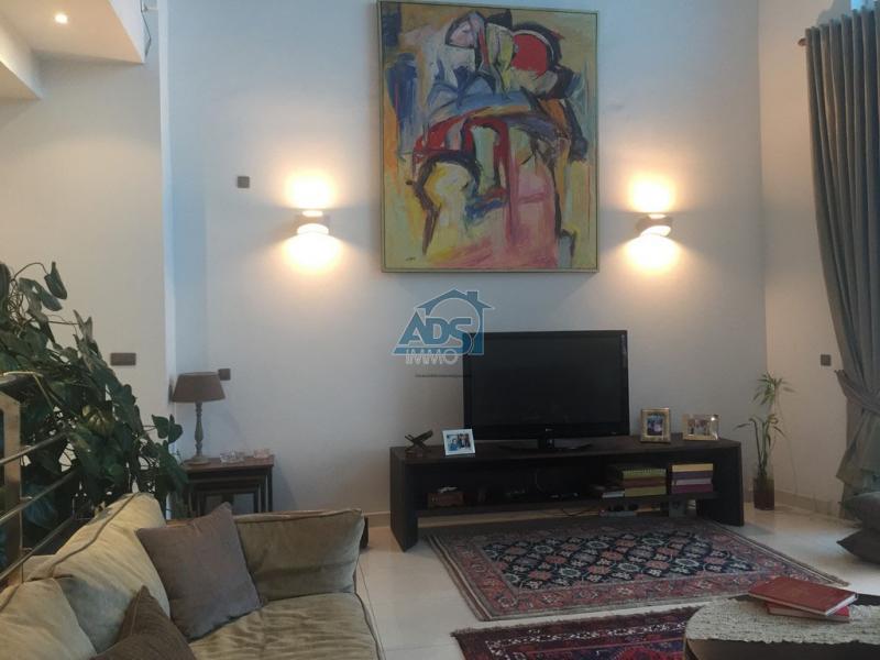 Superbe penthouse meublé à louer à la Gombe
