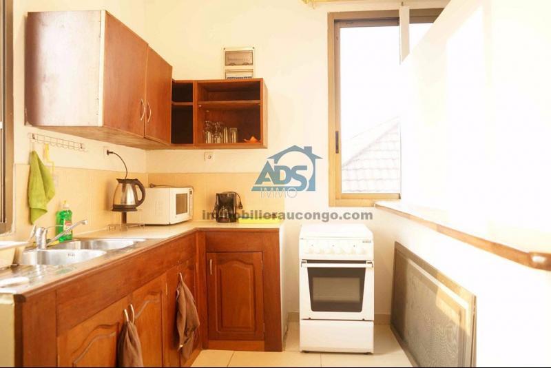 Ngaliema courte duree appartement meubl de 2 chambres for Location appartement meuble courte duree
